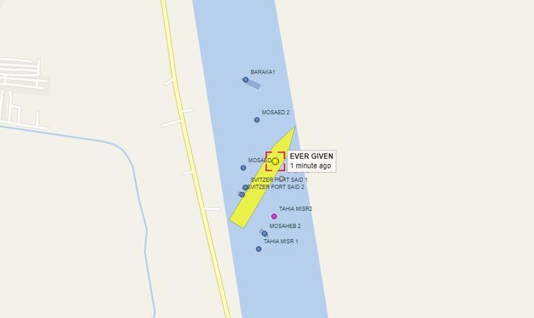 Süveyş Kanalında gemi karaya oturdu Dünya ticaret yolu durdu