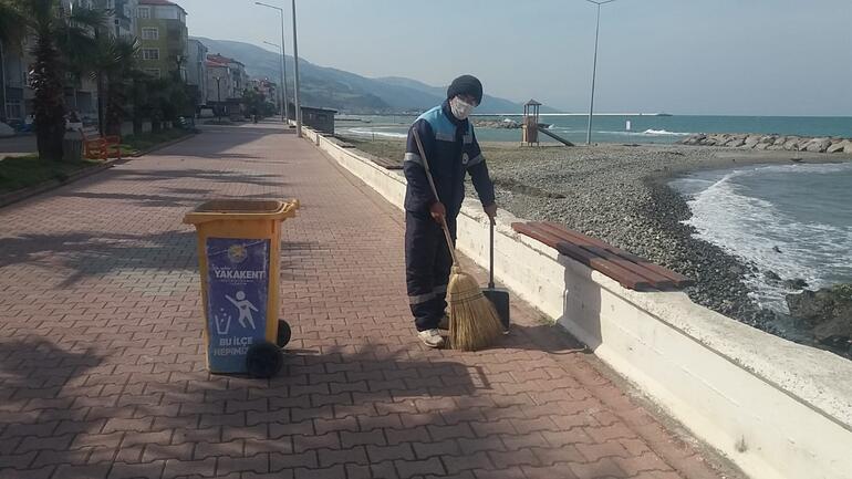 Temizlik işçileri anlatıyor: Elimden gelse üç maske takacağım