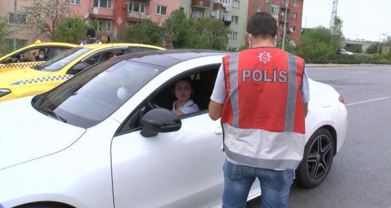 Polis durdurdu, kartı sahte çıktı Polisin plakasını kaydetti, sahtecilikten işlem başlatıldı