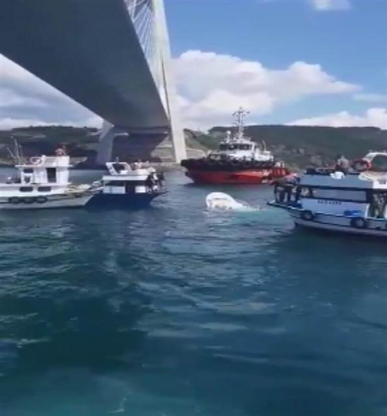 Son dakika... İstanbulda balıkçı teknesine gemi çarptı: 2 kişi hayatını kaybetti