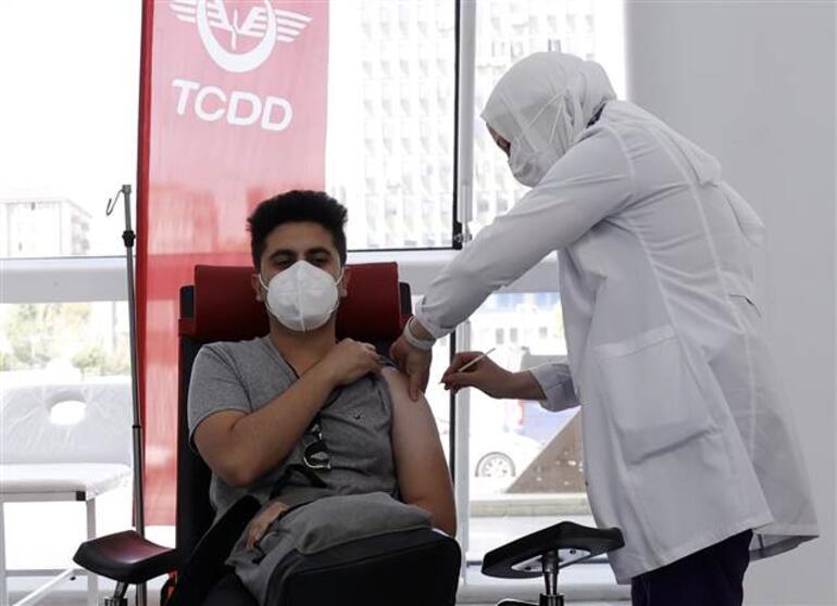 Son dakika: Koronavirüs aşısı olmak isteyenler dikkat Tren garında aşı uygulama merkezi açıldı