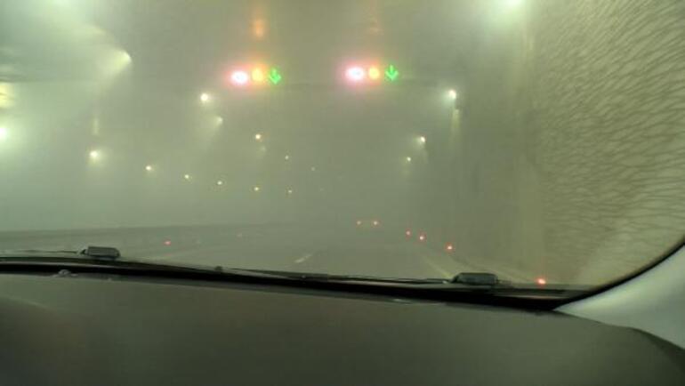 Belediye otobüsünde korku dolu anlar Otobüs yandı, Taksim alt geçidini dumanlar kapladı