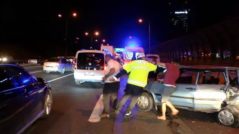 TEM Otoyolunda feci kaza Alkollü sürücüye saldırdılar...